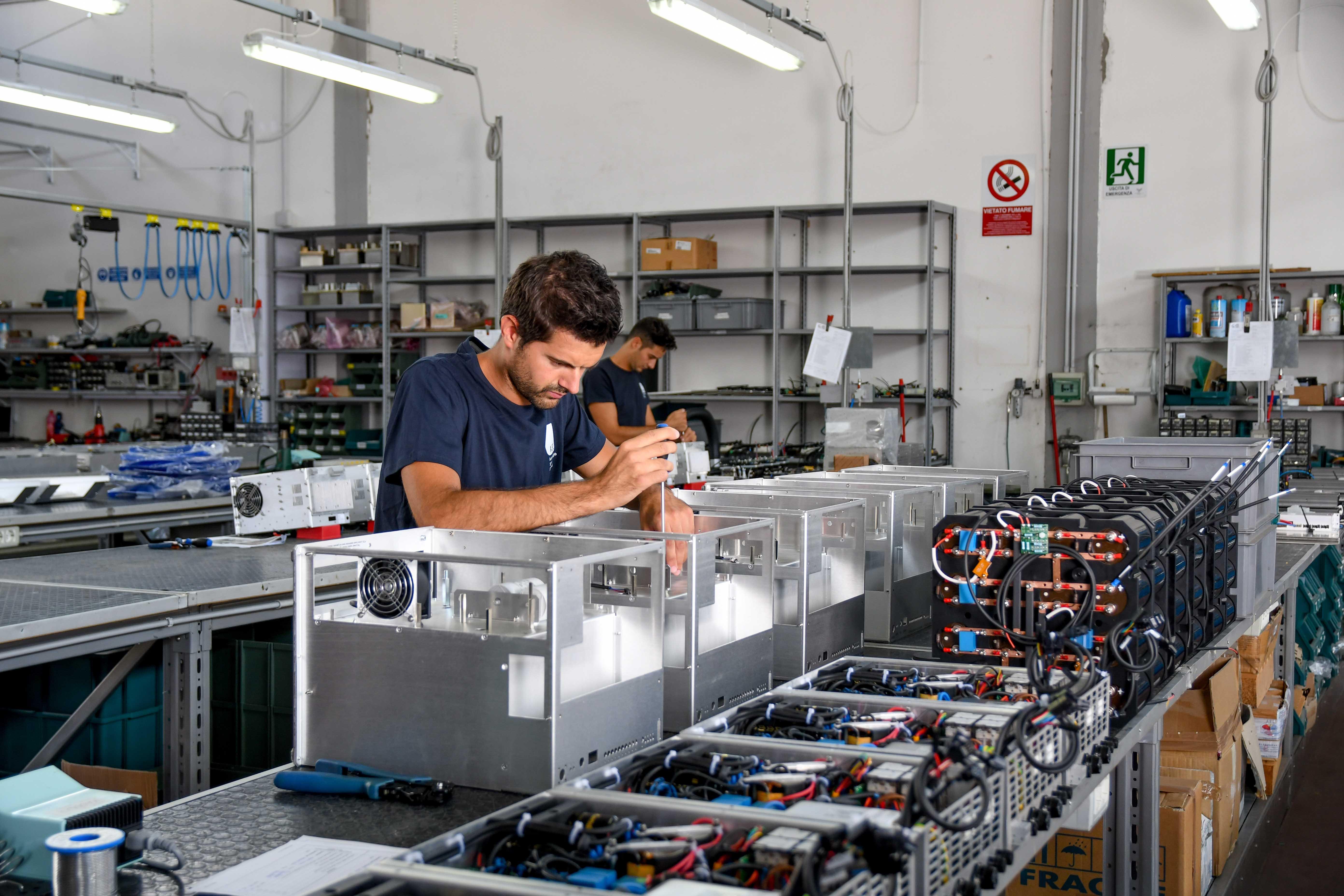 ASE Srl Calenzano - Assemblaggio apparecchiature elettriche