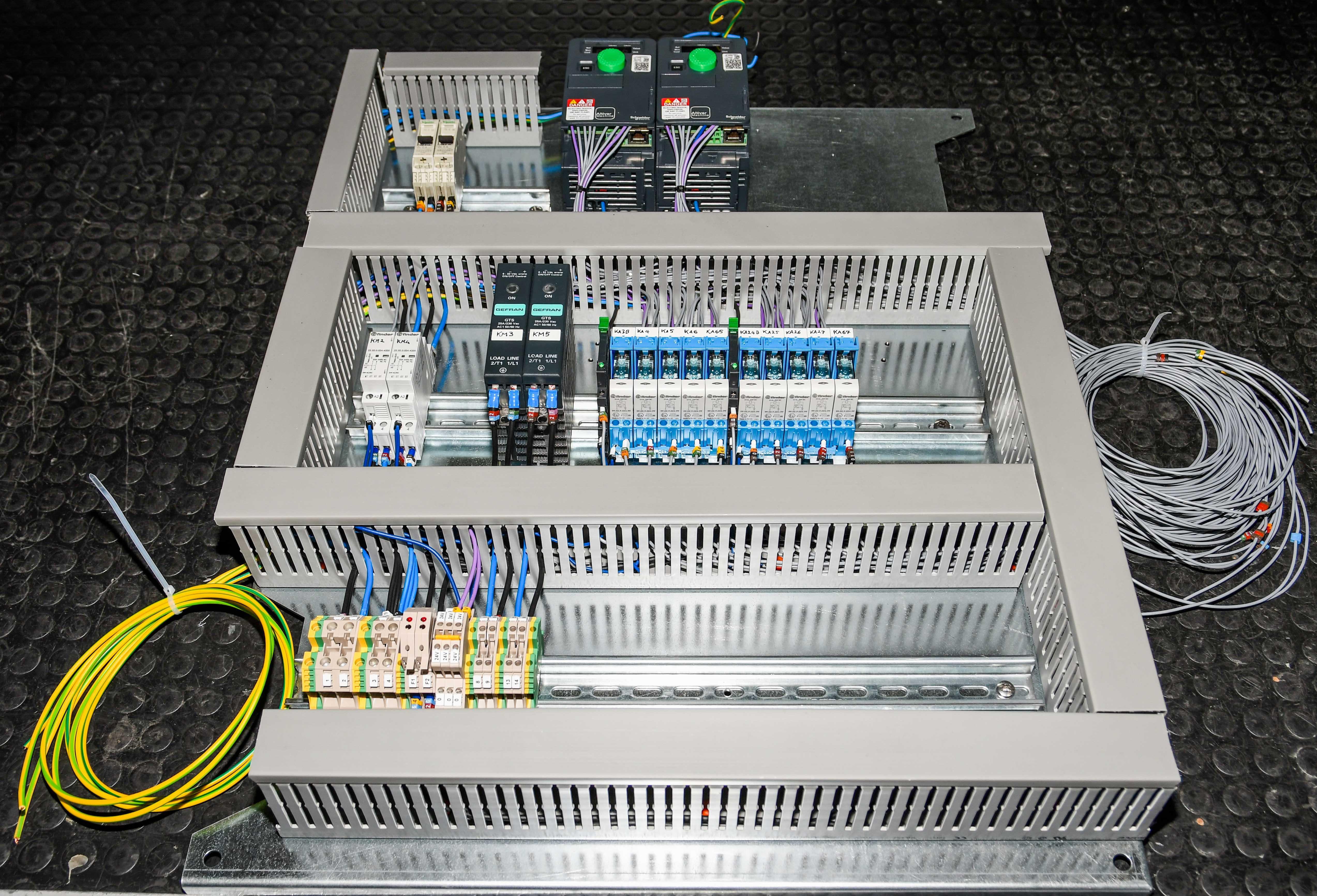 ASE Srl Calenzano - Assemblaggio quadri elettrici