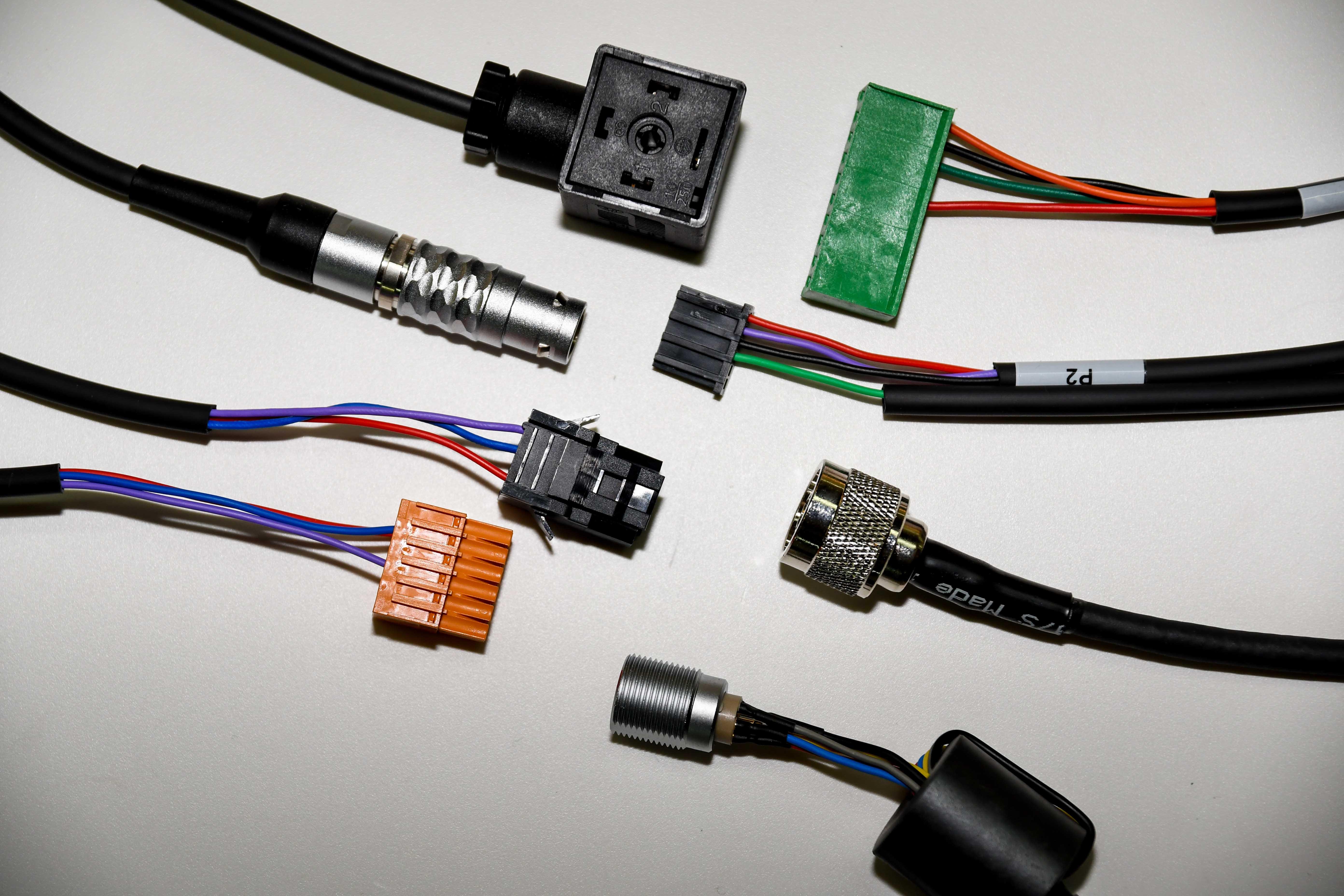 assemblaggio elettromeccanico ed elettropneumatico